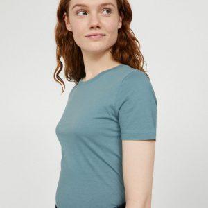 Armedangels Lidaa t-shirt in kleur Soft Moss Oosterstraat Groningen duurzame kleding fair fashion happy stuff