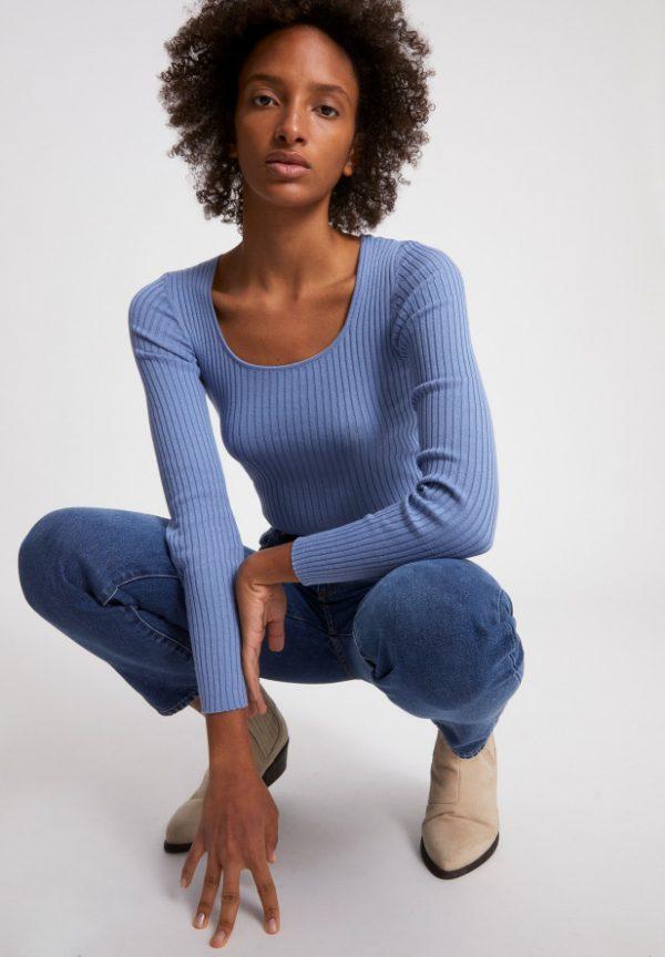 Armedangels Alaani crewneck top Foggy blue_KOKOTOKO duurzame kleding