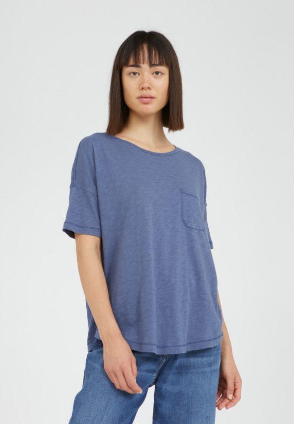 Armedangels t-shirt Melinaa kleur blauw blue_KOKOTOKO Oosterstraat Groningen duurzame kleding fair fashion happy stuff