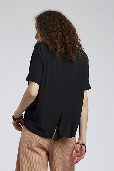 Komodo t-shirt Pacha top kleur Black_KOKOTOKO duurzame kleding