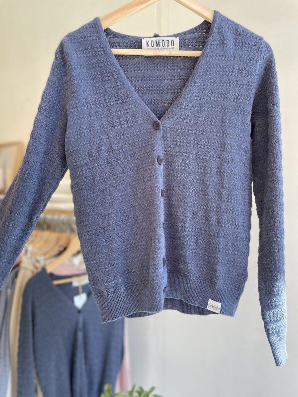 Komodo vest Shaae cardigan kleur Ink Oosterstraat Groningen duurzame kleding fair fashion happy stuff