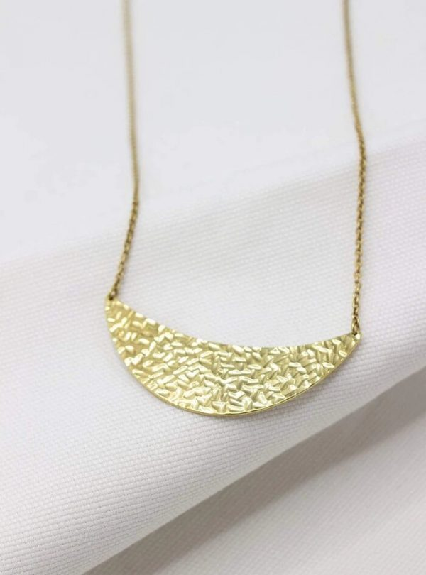 Studio JUX accessoires ketting Half Moon necklace Brass_KOKOTOKO Oosterstraat Groningen duurzame kleding fair fashion happy stuff