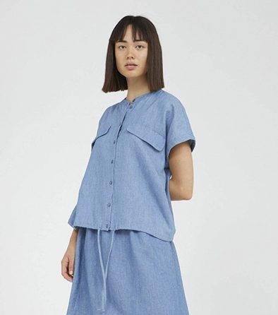 Armedangels Ciaana blouse in kleur Foggy blue Oosterstraat Groningen duurzame kleding fair fashion happy stuff
