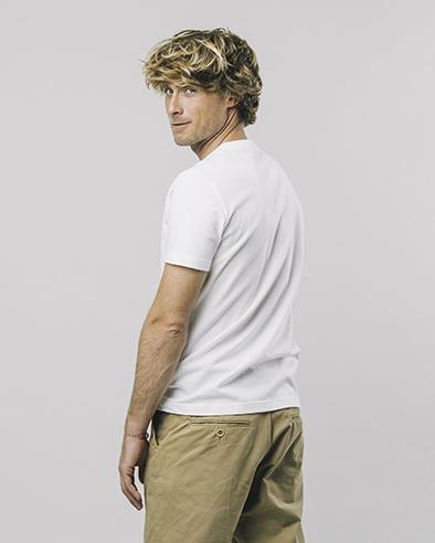 Brava Fabrics Hiker t-shirt White _ KOKOTOKO duurzame kleding Groningen